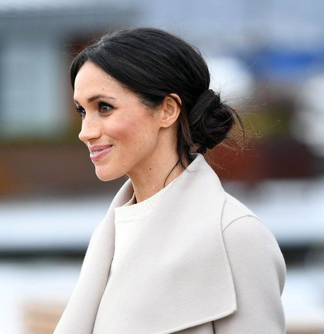 Meghan Markle Just Broke Another Royal Hair Rule Today Lowsidebuns Markle With Low Side Bun Lowsidebuns Low Side Bun Headband Hairstyles Easy Updos For Medium Hair