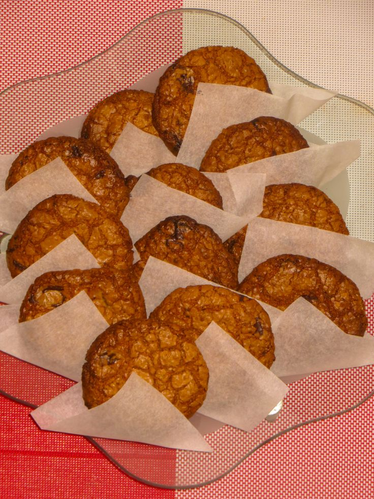 Peanutbutter and chocolate oatmeal cookies