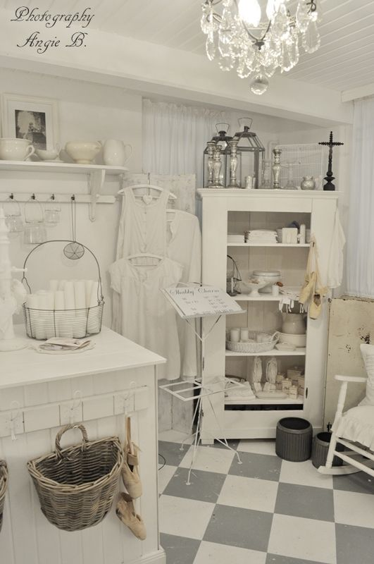 pin by sherry rovirosa on my shabby cottage kitchen ideas pinterest the floor grey and. Black Bedroom Furniture Sets. Home Design Ideas