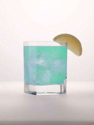 Sweet Seacrest Blue ~ 3 oz. Alizé Bleu, 2 oz. club soda, Garnish with lemon wedge.Sweets Seacrest, Lemon Wedges, Colorful Drinks, Club Sodas, Sodas Garnish, Seacrest Blue, Drink Recipes, Glasses Filling, Alizé Bleu