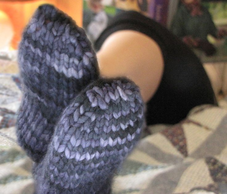 Super bulky sock; magic loop, toe-up, or cuff-down-free pattern! Her patterns...