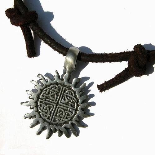 Surfer style Adjustable Necklace/Choker with pewter pendant Celtic Knot Sun :: Ijitsa