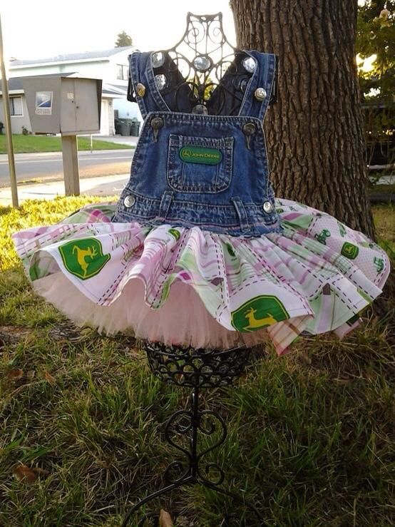 but would probably do this with just green John Deere fabric - https://fbcdn-sphotos-b-a.akamaihd.net/hphotos-ak-ash3/1011993_10151718115330813_92626676_n.jpg