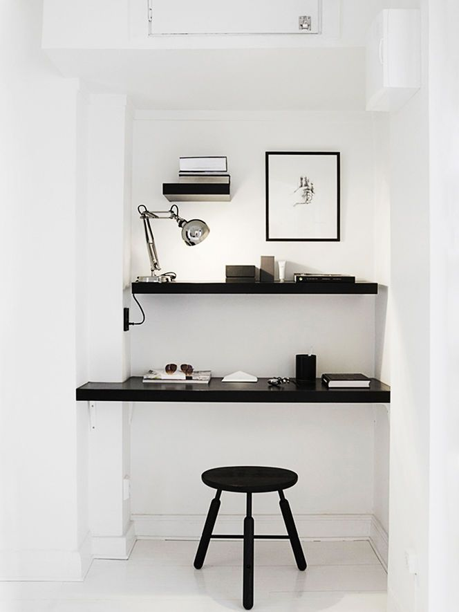 This little area would be great for the dressing table.