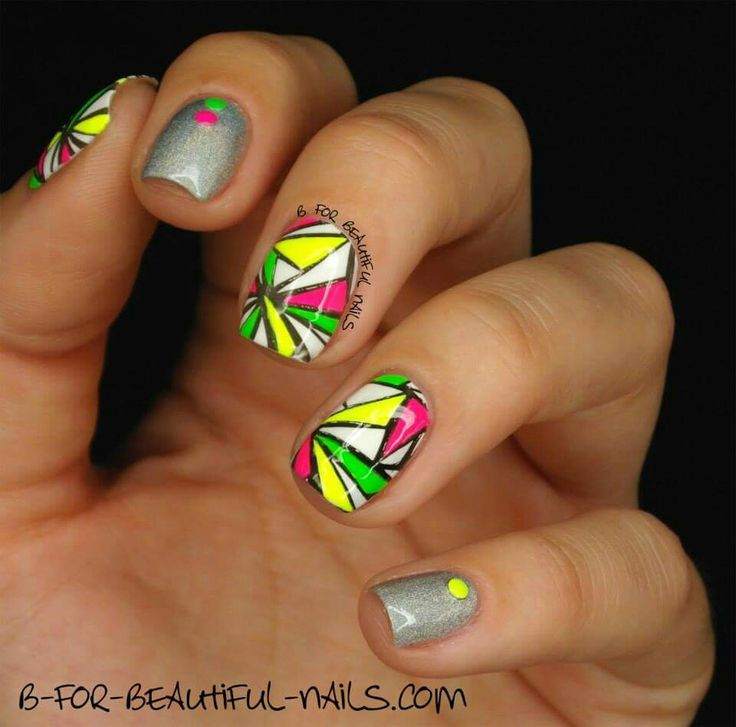 Pattern from #stampingplate B.01 Geometry is perfect!  <3  #stamping #nails #nailart #naildesign