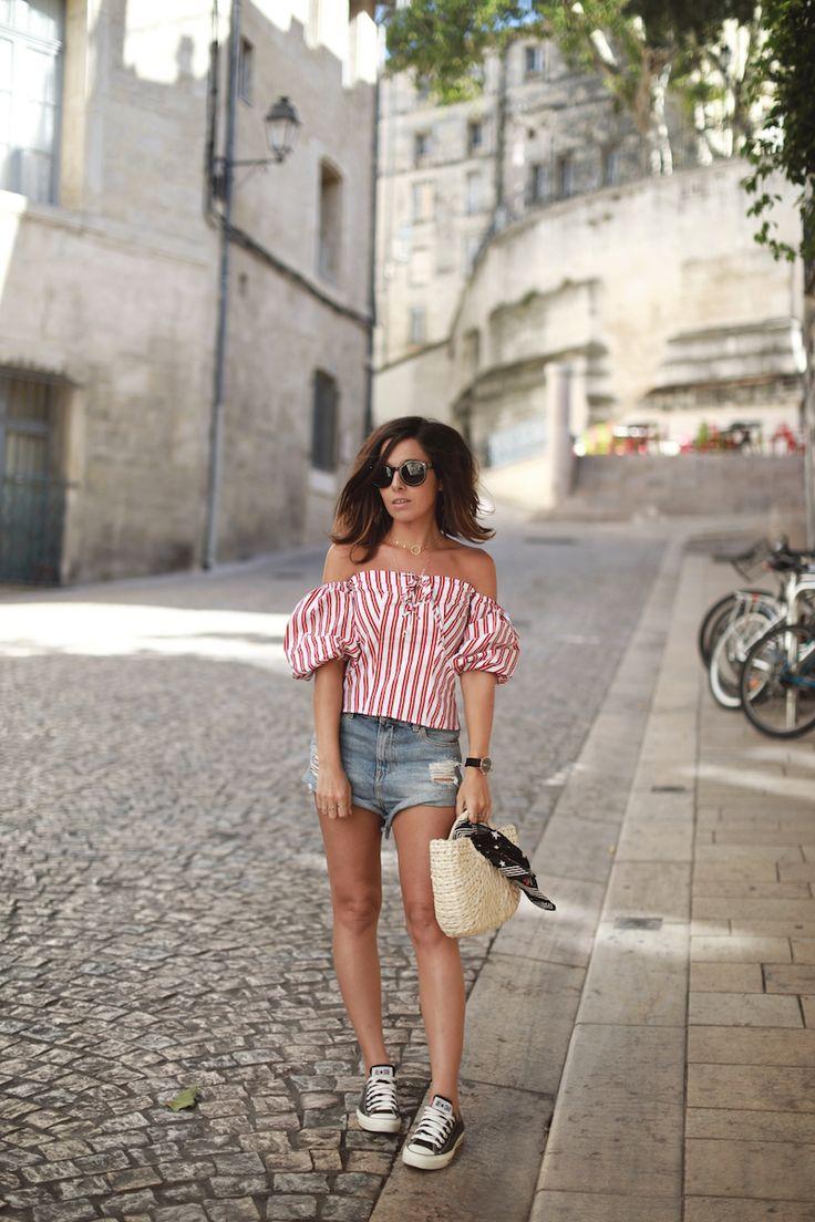 Top bardot off shoulder rayé mango Short jean Asos Converse noires Panier osier Idée tenue été 2017 blog mode tendances Le Petit Monde de Julie