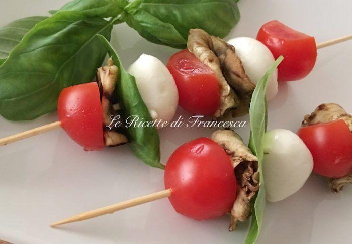 Spiedini pomodoro e mozzarella