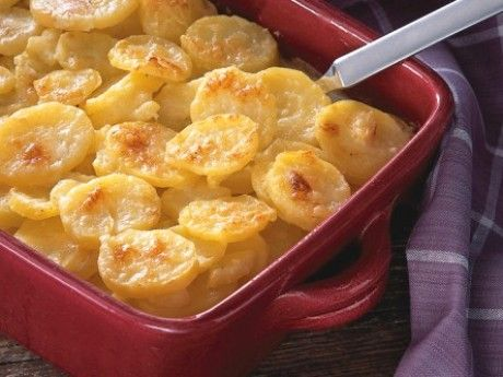 A potato and cheese dish baked in the oven (potatisgratang). A bit healthier version than the normal option anyways!