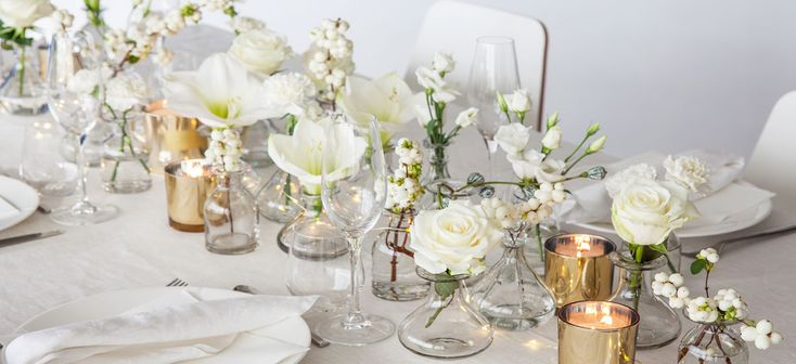 En blomstrende nyttårsfest står for døren. Mester Grønn har utvalget av blomster og tilbehør slik at du kan dekorere et fint festbord.