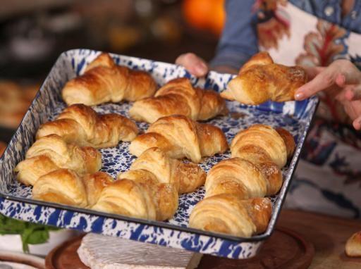 Croissants - Narda Lepes