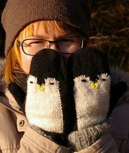 Free knitting pattern for Penguin Mittens