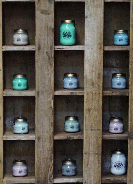 Dubbelleven krijtverf in een vintage kast. Www.dubbelleven.info