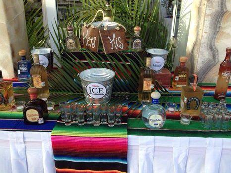 CBA134 Riviera Maya Weddings bodas / Tequilaaa!! Tequila shots set up..