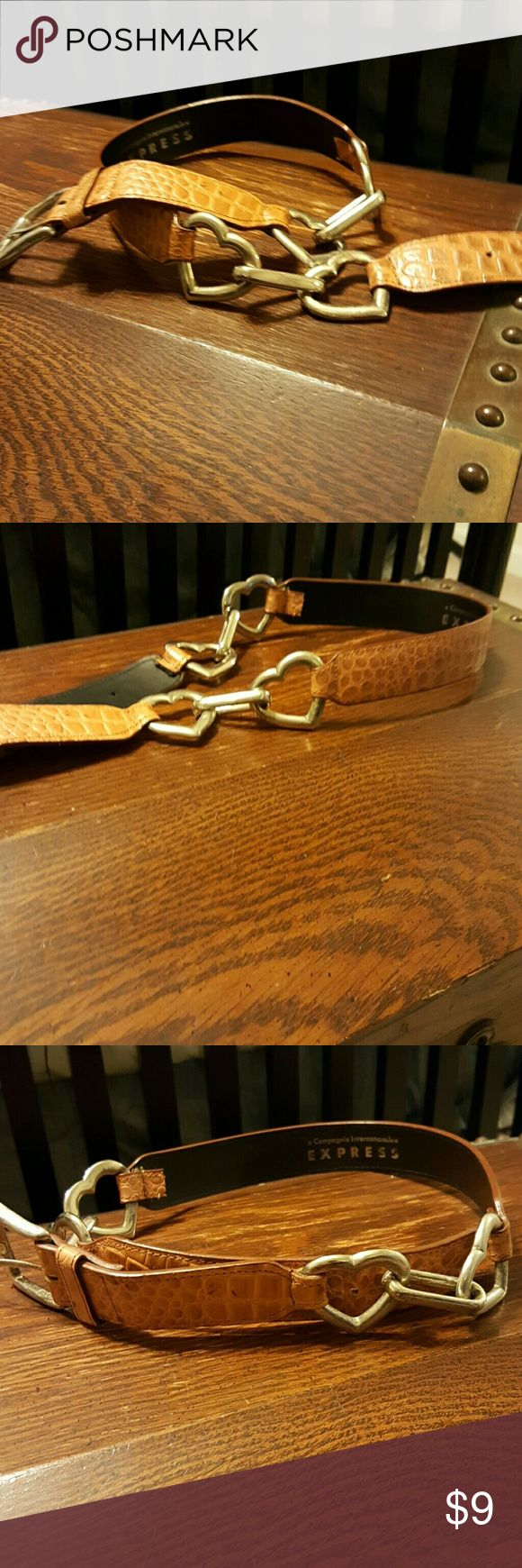 Cute genuine leather belt - make your jeans smile! Tan leather size medium Express Accessories Belts