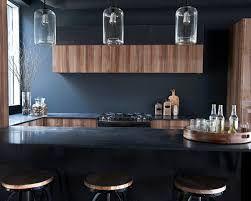Bildresultat för mörk bänkskiva med ljusa träluckor