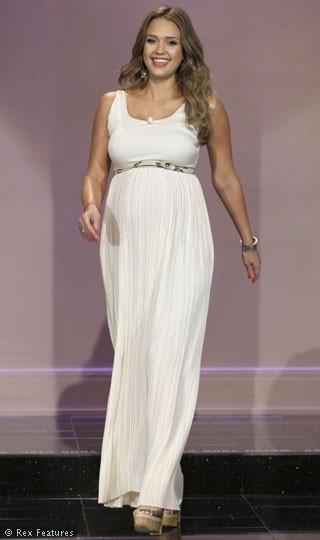Jessica Alba - LOVE THIS!!  She looks amazing!
