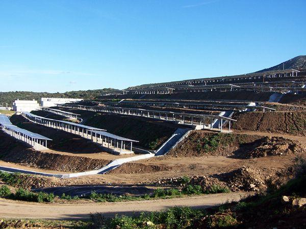 Campo fotovoltaico (discarica)