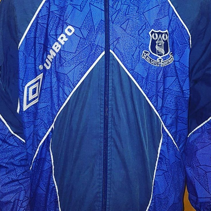 Wanna look like Joe Royle? Get your 94 Everton track top L from @topcornershirts Link in bio (search: Everton) #everton #efc #footballshirtcollective