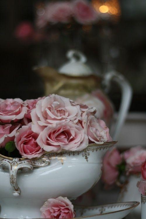 jerez72:  jerez72 La hora del te, con flores…