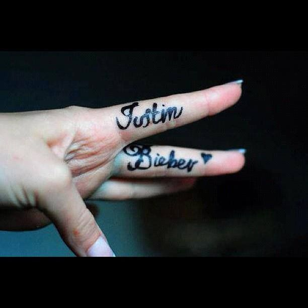 Justin bieber tattoo.. wow someone really loves Justin bieber!! Funny | tattoos picture justin biebers tattoo