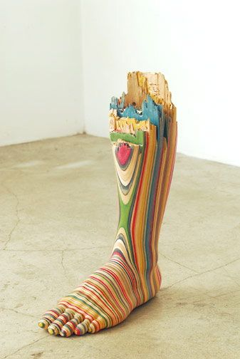 sculptures à partir de skateboards par Haroshi