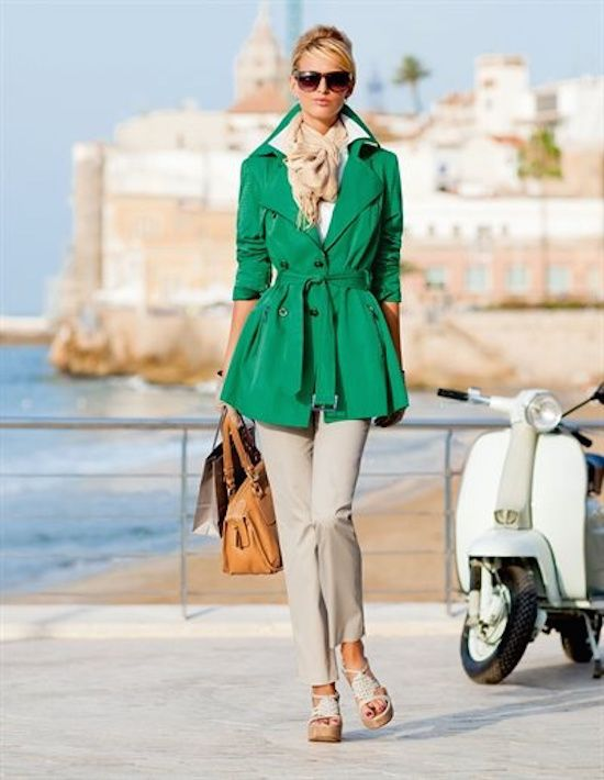 Add some style to your trench coat collection with one of these 13 colorful Spring trench coats or choose a patterned trench coat to jazz up your wardrobe | Kelly Green Trench Coat