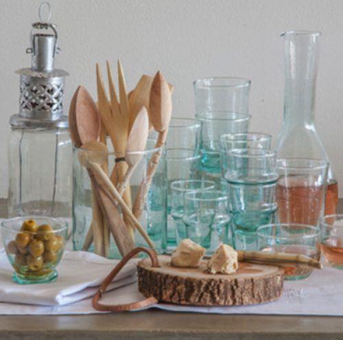 Deze traditionele Marokkaanse glazen zijn met de hand gemaakt. Met de mooie lichtgroene kleur val je goed op!