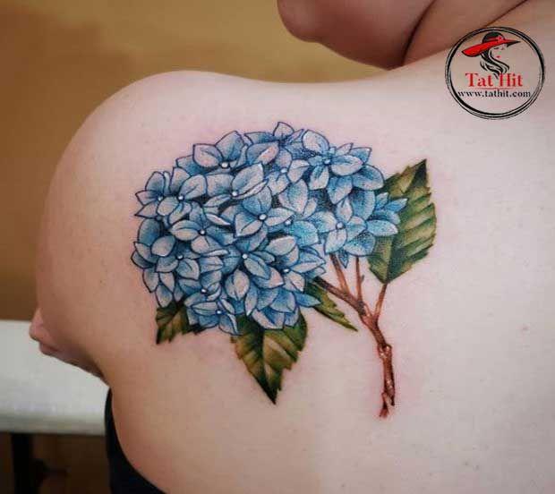3d Hydrangea Flower Tattoos In 2020 Floral Tattoo Shoulder Flower Tattoos Flower Tattoo Arm