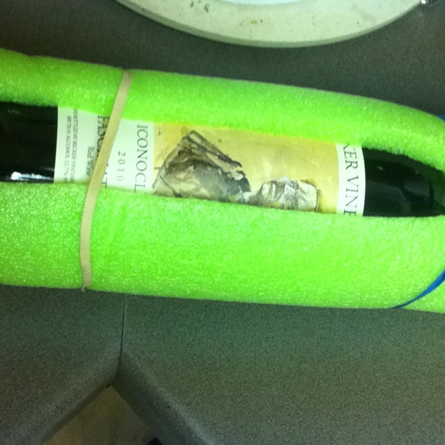 Pool noodle wine bottle protector measure cut cut for How to cut glass bottles lengthwise