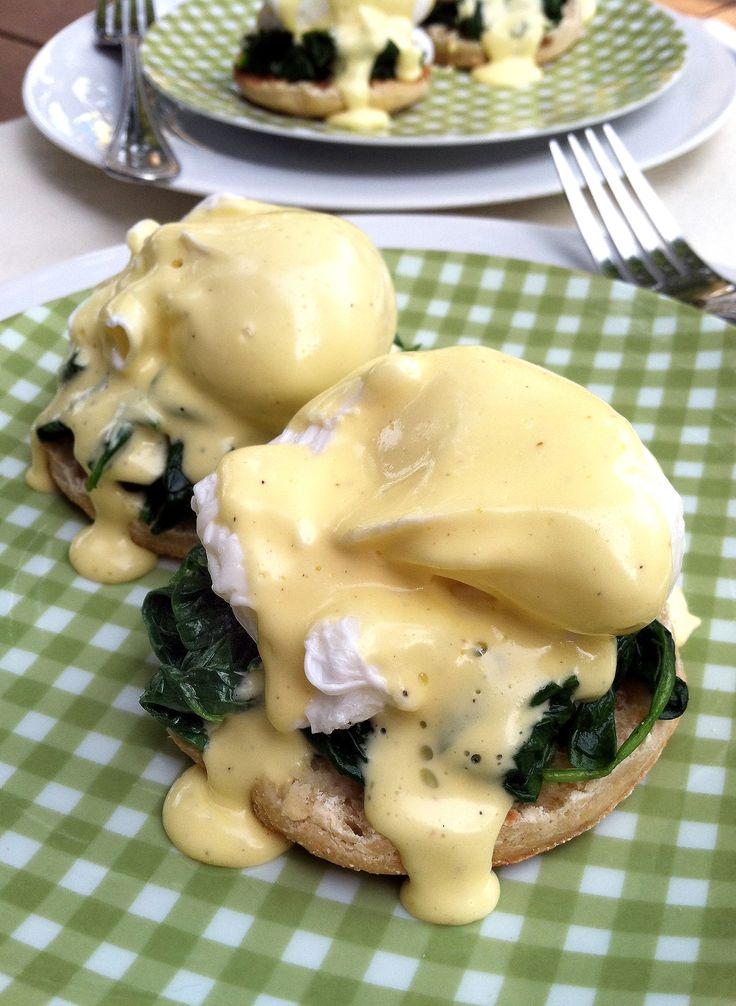 Eggs Florentine - That is some gorgeous looking hollandaise sauce!