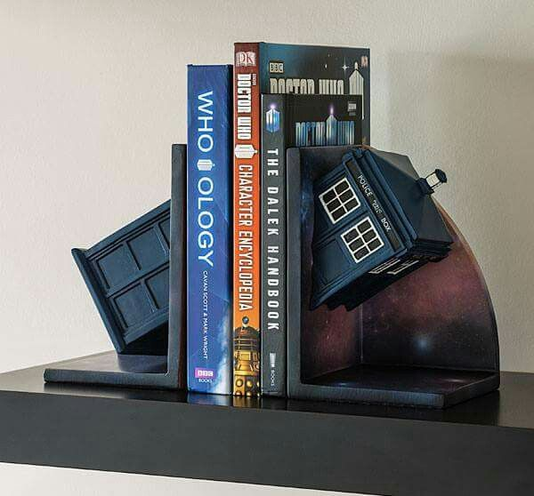 So yes! Doctor Who Tardis book holder (thingy)