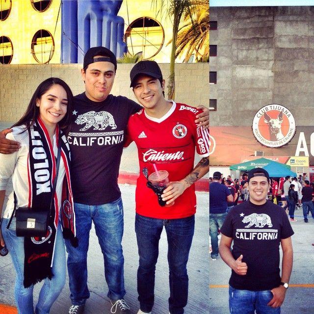 """@hugolomeli's photo: """"Ayer en el partido de #Xolos ⚽️ me topé a Pelón y Priscila @heyitspriguel !Gustazo verlos muchachos!  Son a todo dar... Gracias por la foto morrillos..  #Vloggers #YouTube #HeyItsPriguel #HeyMorrillos #SanDiego #California #EstadioCaliente #Juego #Tijuana vs #Monterrey #Day #Nice #Wonderful #BeautifulDay #follow #Happy #Happiness #People #Life #Smile #Pic #Photo #Picture"""""""
