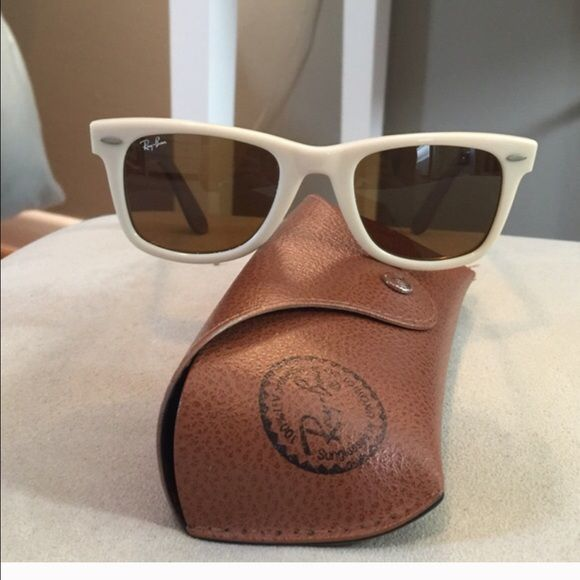 Cream Ray Ban Wayfarer Sunglasses In fantastic condition! Classic women's size Ray-Ban Accessories Sunglasses