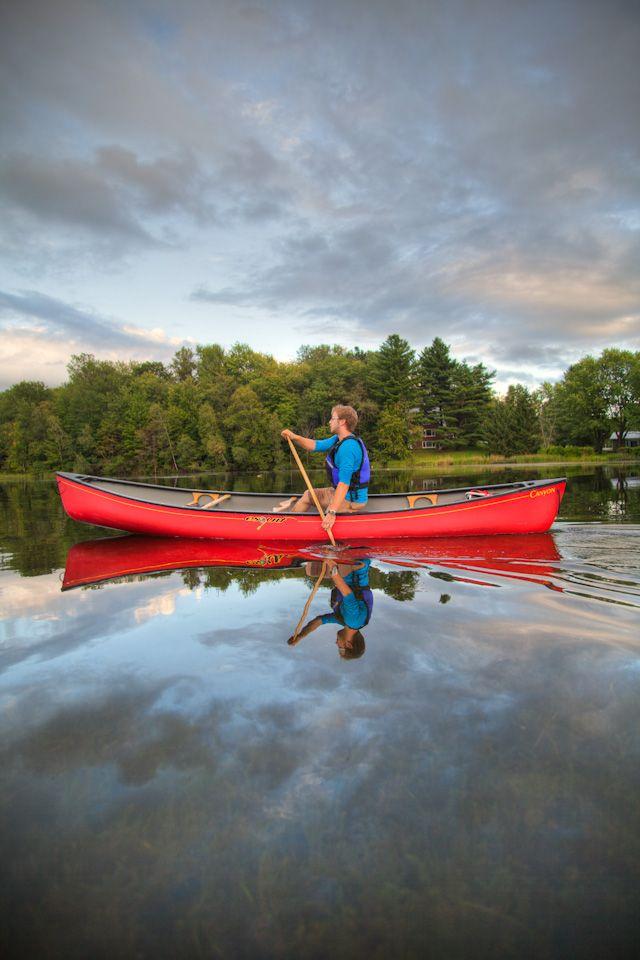 Au parc Lucien-Blanchard, n'ayez pas peur de l'eau. On s'y baigne, on s'y promène en canot, en kayak ou en pédalo.
