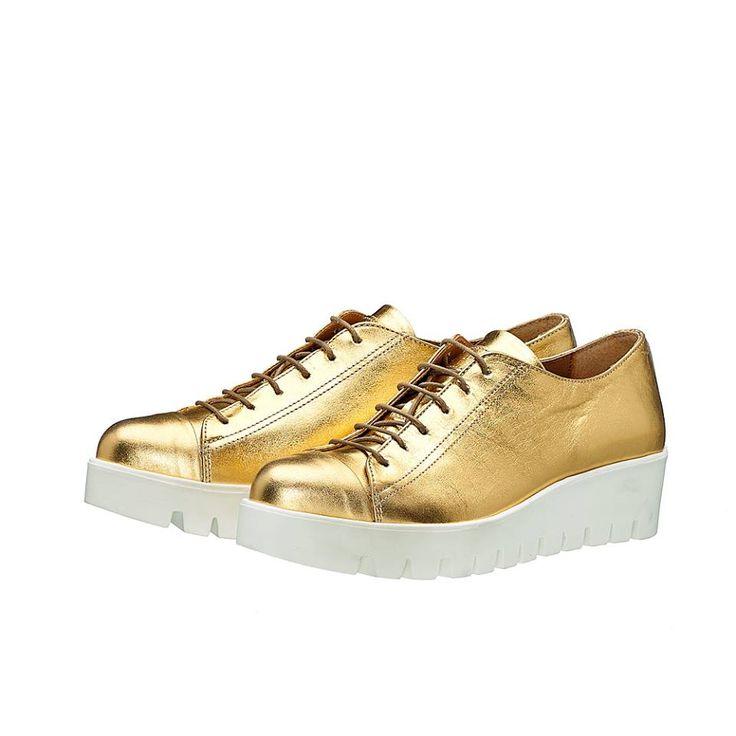 MARGI !! Μοντέρνα sneakers σε χρυσή μεταλλική απόχρωση !!