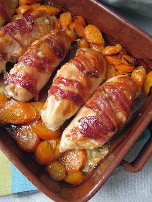 Blancs de poulet au cantal. [contrairement à la recette, je cuits les blancs avant de les farcir ; ajoute, aussi, de la crème fraîche ds le plat en fin de cuisson]