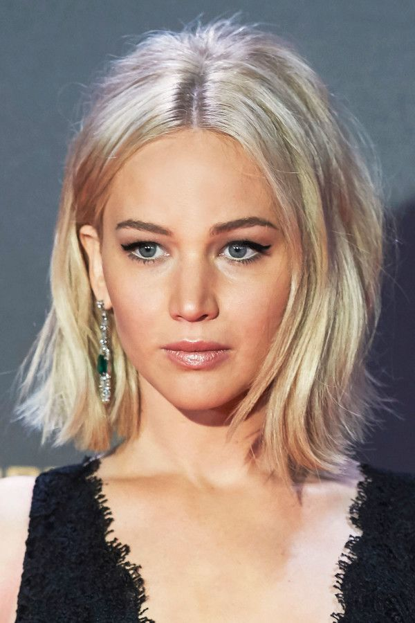Jennifer Lawrence icy ash blonde hair