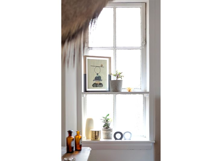 Window.   TomMarkHenry Designers www.tommarkhenry.com   #interior #window #detail #styling #artwork #illustration