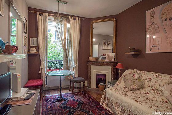 Location studio avec cheminée Paris 17° (Rue De Saussure) | Meublé 16 m² Batignolles