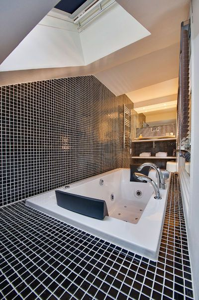 Les secrets dune salle de bains ouverte sur la chambre  CôtéMaison