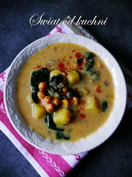 Zupa z ciecierzycy, szpinaku i czosnku