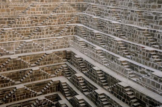 チャンド・バオリの階段井戸(インド・ラージャスターン州ジャイプル近郊)