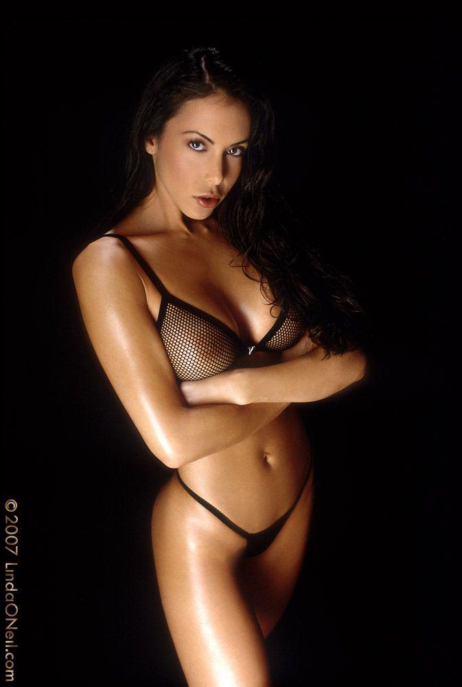 Bikini linda oneil