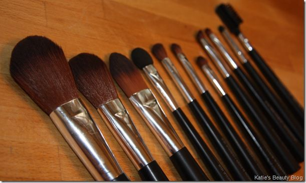 The Body Shop Makeup Brushes (review)