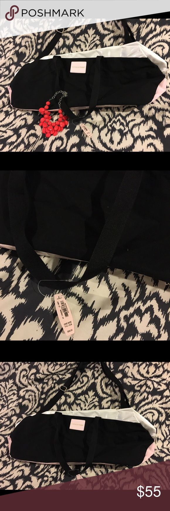 Large Victoria's Secret tote bag Large Victoria's Secret tote bag NWT Victoria's Secret Bags Totes