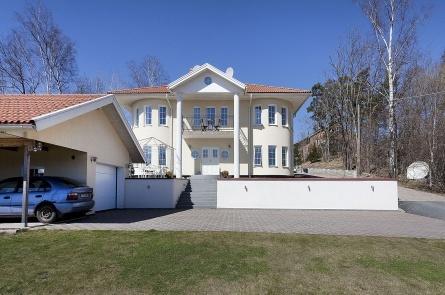Gamla Södertäljevägen 208B, Segeltorp, Stockholm  6 rum · 197 m2 · Accepterat pris: 6 995 000 kr