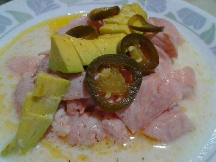 Ceviche de salmón a la mexicana