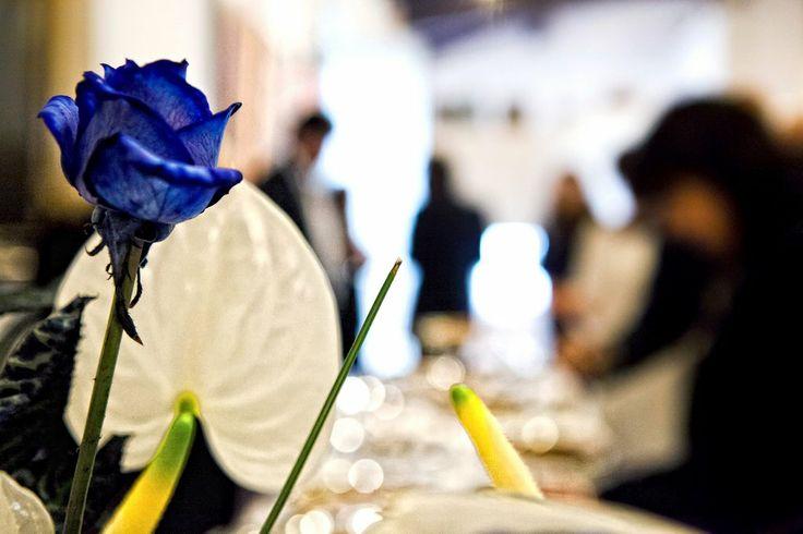 Rosa #blu per l'allestimento floreale - foto by Foto Bouquet Bologna