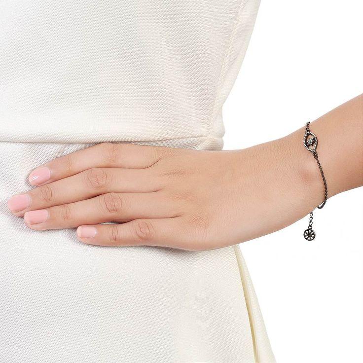 Bare udforske alle nyeste moderne kollektion af skandinaviske smykker designer sølv armbånd med stone. Tag et kig på populære sølv armbånd design, kan du vælge din favorit på Besøg:-  https://www.needsjewellery.dk/dk/armband.html
