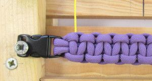 heart-stitched-paracord-bracelet-tutorial (3 of 25)
